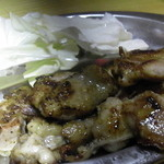 万味鳥 - 赤どり炙り焼  これは焼きたてでした。お肉が柔らかくて胡椒の加減・脂旨し