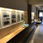 Sion - 奥から見た店内風景(2019.4.28)