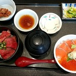 106584847 - 村上牛炙り丼・鮭親子丼セット