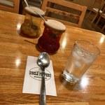 カレーハウス アンクルペパリー - 料理写真:らっきょう 福神漬