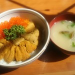 漁師の店 - ウニイクラ丼 1,800円
