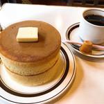 喫茶ちゃっぷ - 厚焼きホットケーキ2枚900円ワンドリンク制