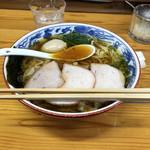 106598512 - ワンタン麺、870円。半熟煮玉子、100円。