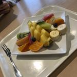 フルーツカフェ タマル - フルーツ盛り、飽きましたね〜