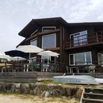 ランドシップカフェ - 外観  海側から