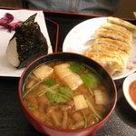 中華料理 栄香楼 - 餃子おにぎりセット