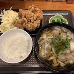 KASUYA - 定番から揚げ定食٩(ˊᗜ、ˋ*)وうどん大ボリュームあっぷ¥880円˚✧₊⁎⁺˳✧༚