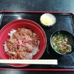 神宮前茶屋 - 牛カルビ丼(800円)