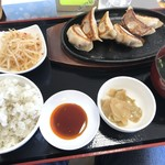 餃子部 - 料理写真:餃子定食 ご飯中盛り(880円)