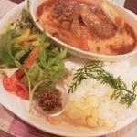 玄 - メイン料理(煮込みハンバーグ)