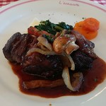 エシャロット - 料理写真:牛の赤ワイン煮込みです