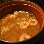 河良 - 名古屋コーチン釜めし(みそ汁)