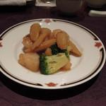 10664010 - 帆立貝とブロッコリーの柚子胡椒炒め