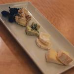 RAINBOW WINE&KITCHEN - チーズの盛り合わせ(780円+税)2019年4月