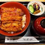 登三松 - サービス特丼(¥3000)。鰻のボリュームは、うな重の竹と同等
