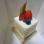クリオロ - 苺のショートケーキ