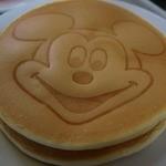 クリスタルパレス レストラン - パンケーキはミッキーの顔だけど・・・