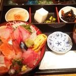 和食Dining うお座 - いつものお昼(海鮮丼)