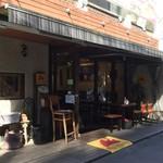 106663510 - お店は西荻窪駅北口から歩いてすぐの裏通りにあります。(*'∀')ノ