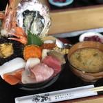お食事酒処和 - 料理写真:特撰海鮮丼 3,000円 ①