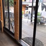 Cafe du Riche - その他写真:テラス席もあり