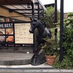 Cafe du Riche - その他写真:なぜか馬