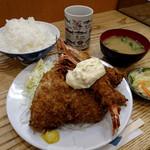Tonkatsuyachiyo - カキ・車エビ・アジフライ定食(ごはん大盛)2000円(ごはん大盛プラス50円)