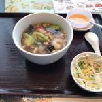 香港海鮮飲茶樓 - 五目湯麺