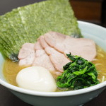 横浜家系らーめん 五十三家 - のり玉チャーシューらーめん(並)