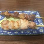鳥平 - 砂肝¥170、鳥もも¥170。(いずれも税別)