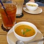 10669408 - スープとドリンク