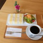 ママン オヴァール - 料理写真:ルテイン卵のサンドウィッチ