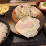 松乃家 - ソーセージエッグ定食