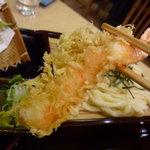 手打ちうどん 新富 - ☆天ぷらも揚げたてサックサクです☆