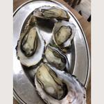 106701668 - 焼き牡蠣