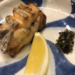 白鷹 - 太刀魚の塩焼き。レモンも大きいかも