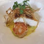 ビストロ ダイア - 本日の鮮魚(スズキ)のポワレ アサリサフランソース