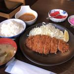 106711172 - ロースカツ定食 松 + ちょいカレー