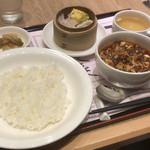 106715663 - 【点心付麻婆豆腐セット】(1430円税込)