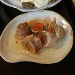 酒房 三日月食堂 - 豚のゴボウ巻き煮