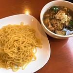 タカナリ - 焼きなすと豚肉の和風つけ麺(税抜950円)