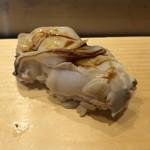 つきぢ神楽寿司 - 煮はまぐり