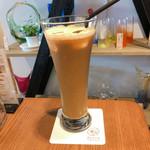 花てらす カフェ&フラワー - アイスカフェラテ