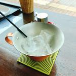 Cafe Mimpi - アイスコーヒー 先ず氷がカップに入ってます