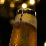yakeiitarianandonikubaruji-bi- - 生ビールとシャンデリア
