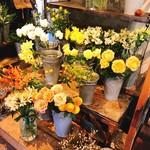 ヴェール・デ・グリ - お花屋さんでもあります(o^-')b