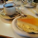 チーズケーキのチロル -