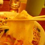 中国料理 四季香 - 太くてモチモチの麺