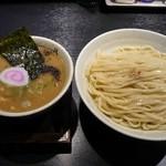 10677812 - 塩つけ麺(大盛り)+味付玉子(スープに沈んでます)