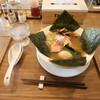 オモテナシヌードル まつじ - 料理写真:淡炊錦爽鶏 だしそば